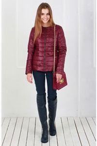Куртка женская бордового цвета