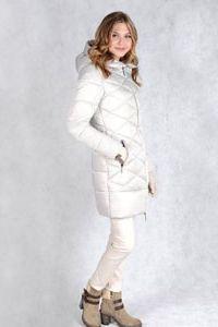 Зимнее пальто серого цвета