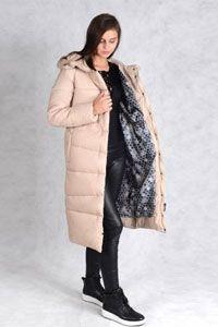 Зимнее пальто бежевого цвета